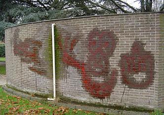 AGP 1414 graffiti cleaner is zeer mileuvriendelijk, omdat deze coating watergedragen is.